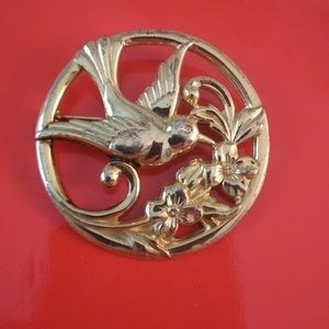 Jewelry - 1940s Coro sterling gold wash brooch
